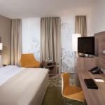 Tenda con binario, stanza hotel