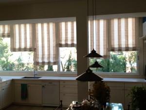 Lavori eseguiti da mafa per le tende for Cucire tende a vetro